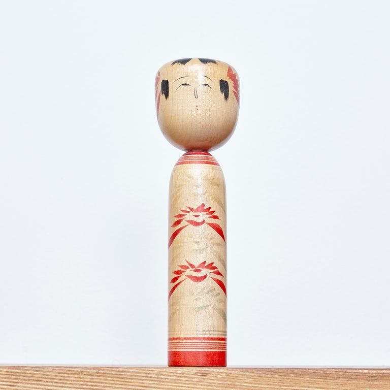 Set of 4 Kokeshi Japanese Wood Hand Painted Doll In Good Condition For Sale In Barcelona, Barcelona