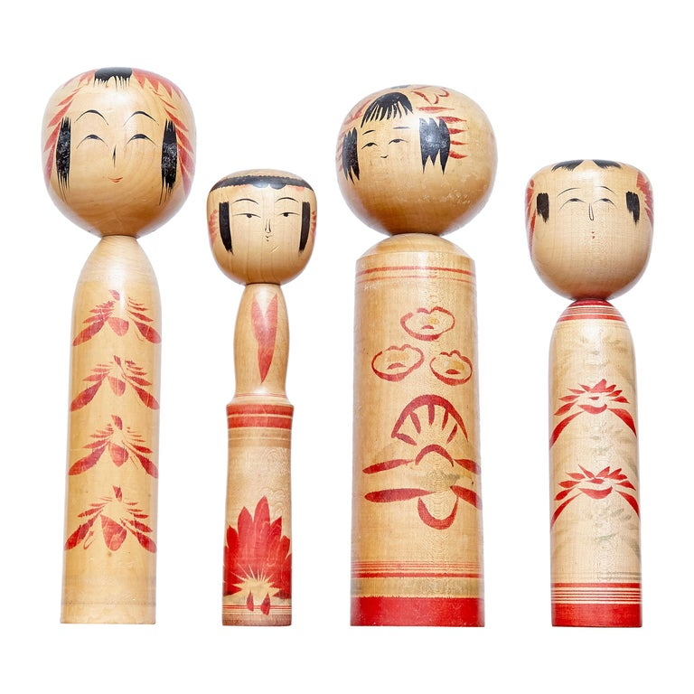 Set of 4 Kokeshi Japanese Wood Hand Painted Doll For Sale