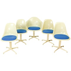Set of 4 La Fonda Fiberglass Chairs and 1 La Fonda Fiberglass Armchair, Designed