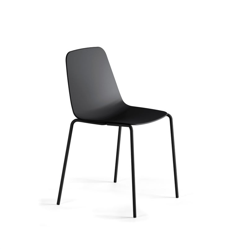 The powder coated steel tube structure and the carefully made, elegant seat of the Maarten chair recall the classics of the 1970s.  Injected polypropylene seat in black.  Calibrated steel structure powder coated in thermoreinforced polyester in