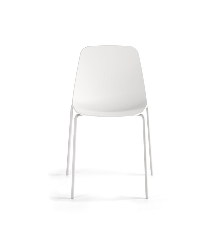 Minimalist Viccarbe Set 4 Maarten Plastic Chair, Metal Legs, White ,by Víctor Carrasco For Sale