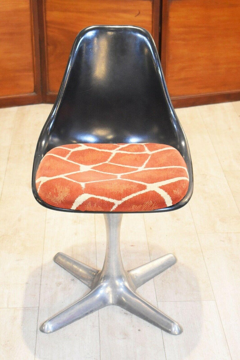 Set of 4 Mid-20th Century Arkana Dining Chairs Aluminium Swivel Base For Sale 1