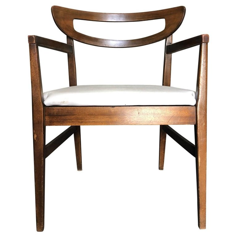 Linen Set of 4 Mid-Century Modern Open Rail Dining Chairs For Sale
