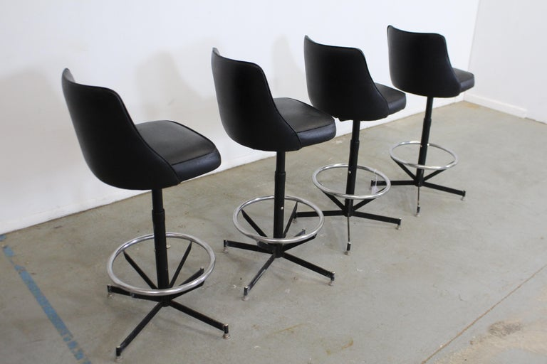 Set of 4 Mid-Century Modern Swivel Bar Stools For Sale 1