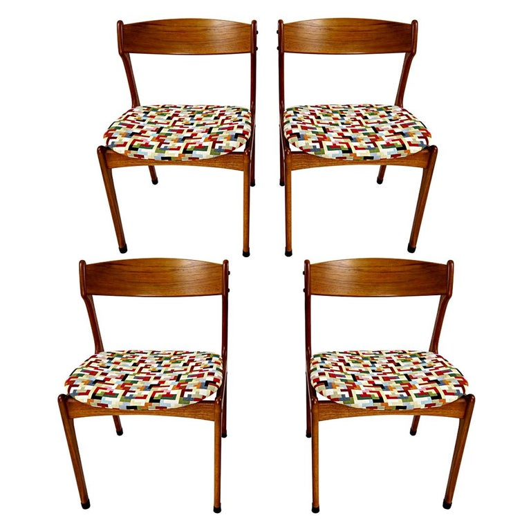 Set of 4 Mid-Century Modern Teak Wood Dining Chairs by Johannes Andersen For Sale