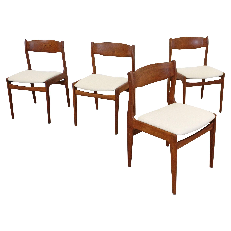 Set of 4 Midcentury Danish Modern Teak Side Dining Chairs with Teak Backs