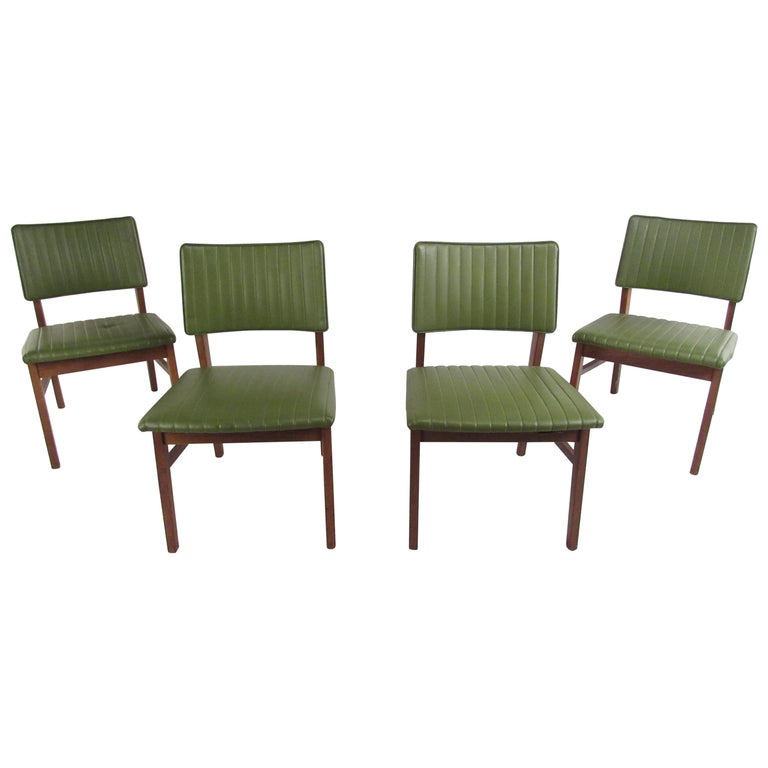 Set of 4 Midcentury Dining Chairs by B.L. Marble Furniture Co. For Sale