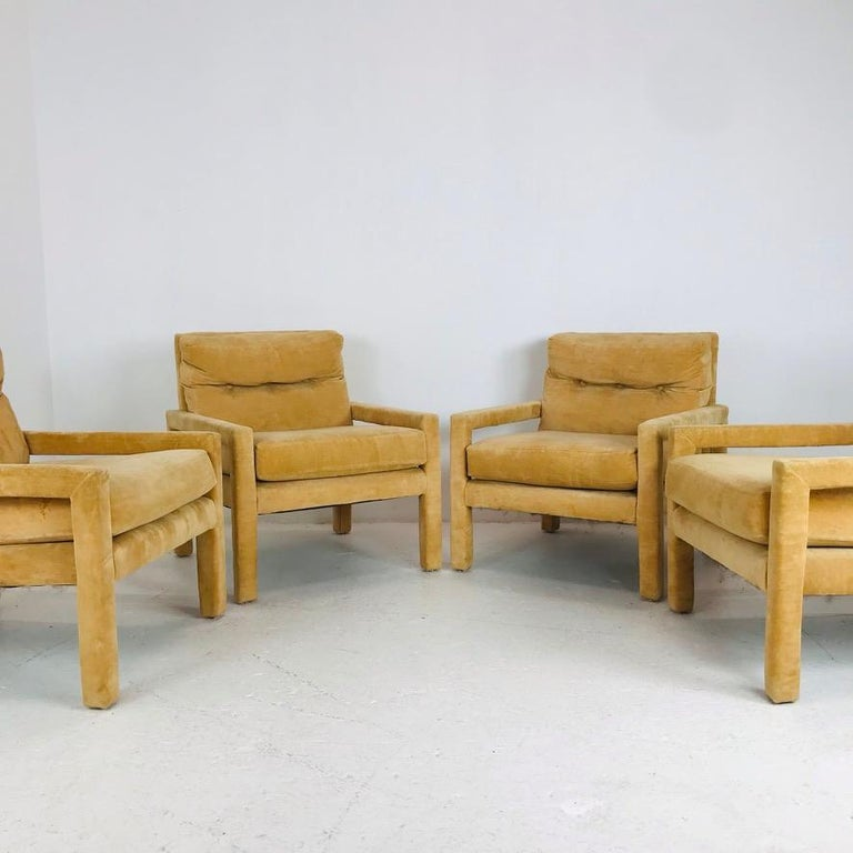 Set of 4 Milo Baughman Gold Velvet Parsons Chairs In Good Condition In Dallas, TX
