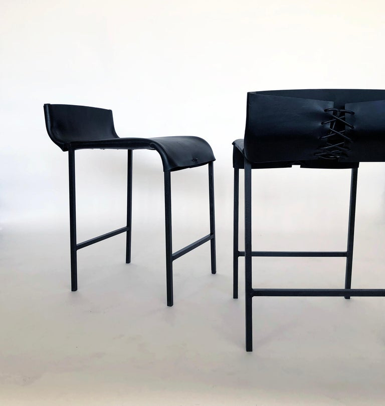 Set of 4 Modern/Contemporary Counter or Bar Stool in Blackened Steel and Leather In New Condition For Sale In Bronx, NY