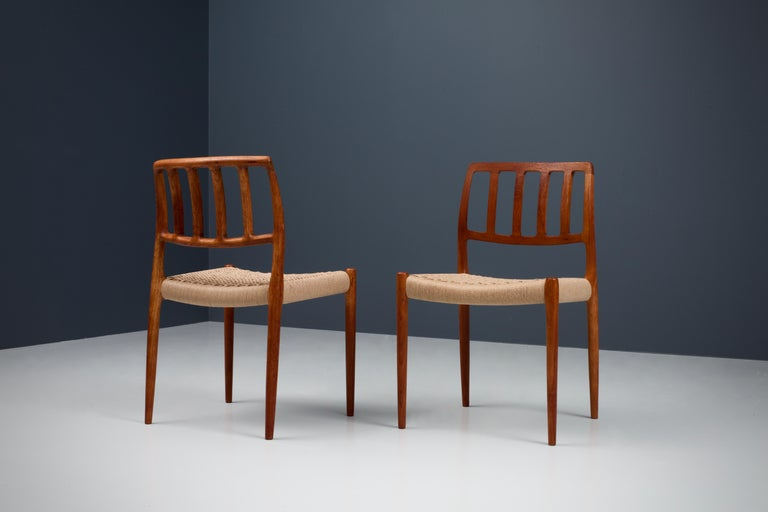 Set of 4 Newly Upholstered Dining Chairs by Niels Otto Møller, Denmark, 1960s In Excellent Condition For Sale In Amsterdam, NL