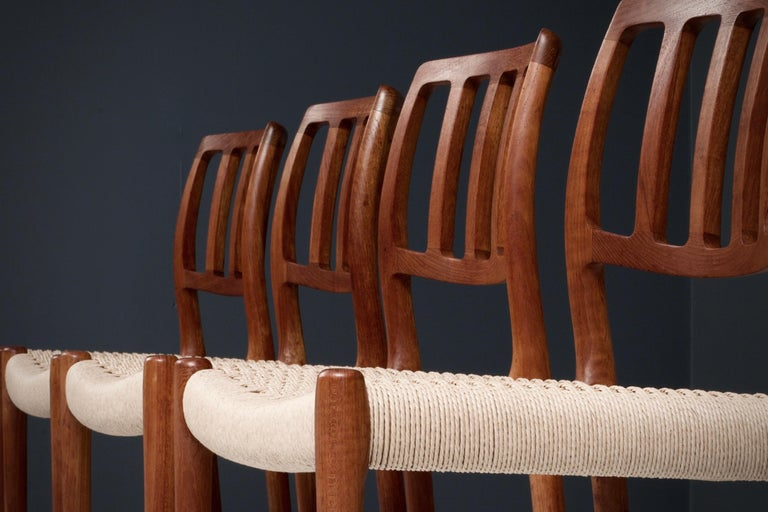 Mid-20th Century Set of 4 Newly Upholstered Dining Chairs by Niels Otto Møller, Denmark, 1960s For Sale