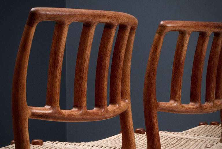 Set of 4 Newly Upholstered Dining Chairs by Niels Otto Møller, Denmark, 1960s For Sale 1