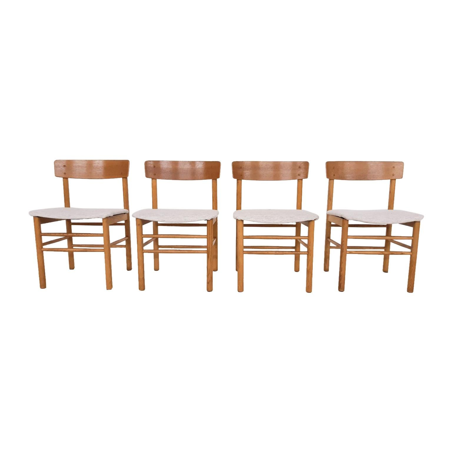 Set of 4 Oak Dining Chairs in the Style of Borge Mogensen, Denmark, 1960s