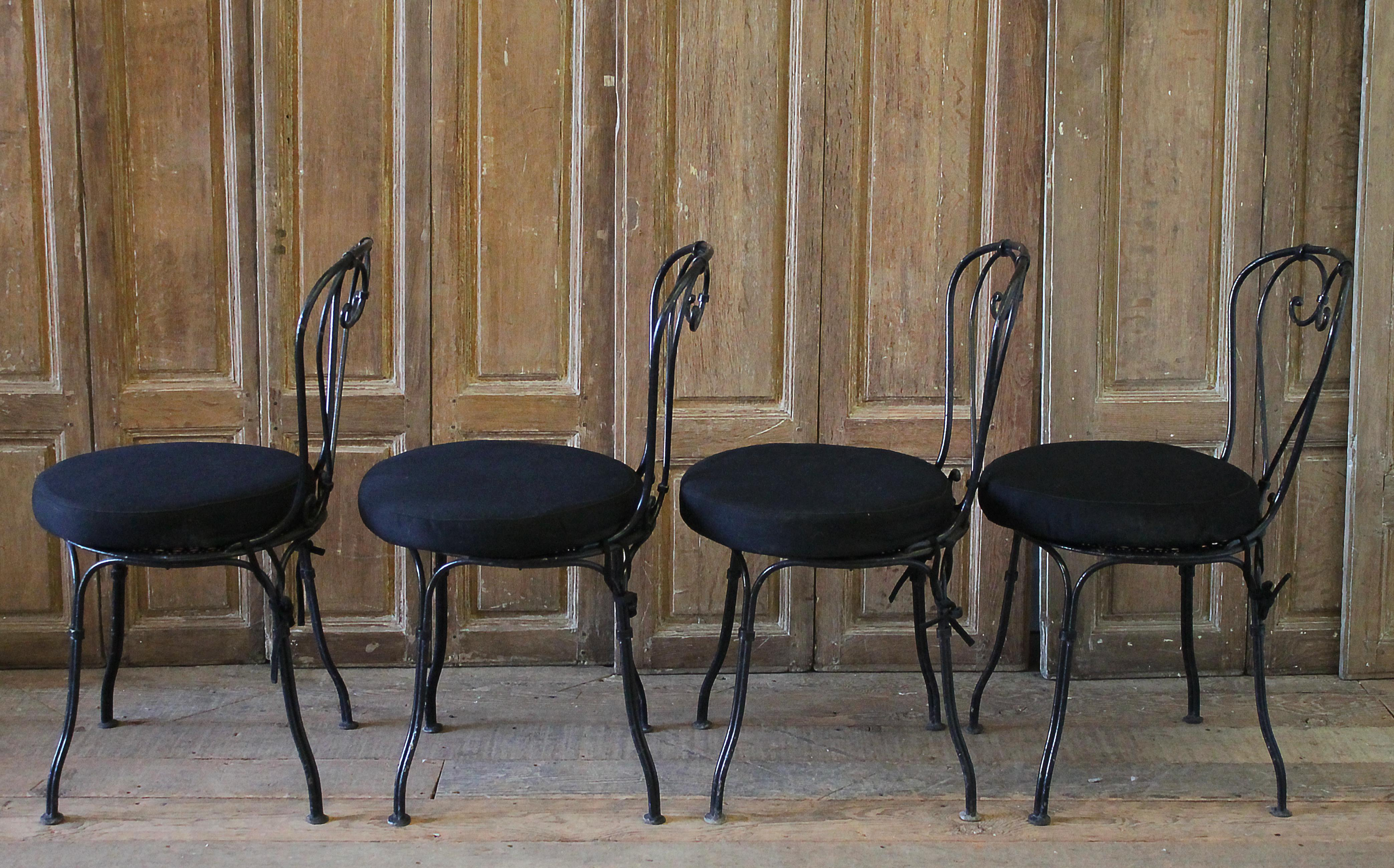 Set Of 4 Outdoor Black Antique European Iron Bistro Chairs