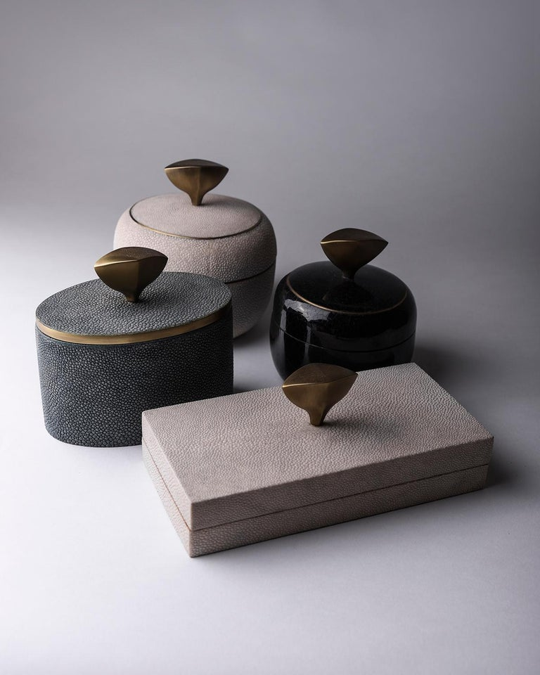 French Set of 4 Pedestal Boxes in Shagreen, Shell and Bronze-Patina Brass by Kifu Paris For Sale