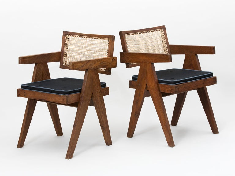 Mid-20th Century Set of 4 Pierre Jeanneret Floating Back Armchairs For Sale