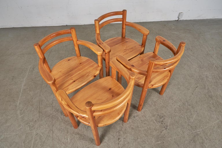 Mid-Century Modern Set of 4 Pine Dining Chairs with Arms For Sale