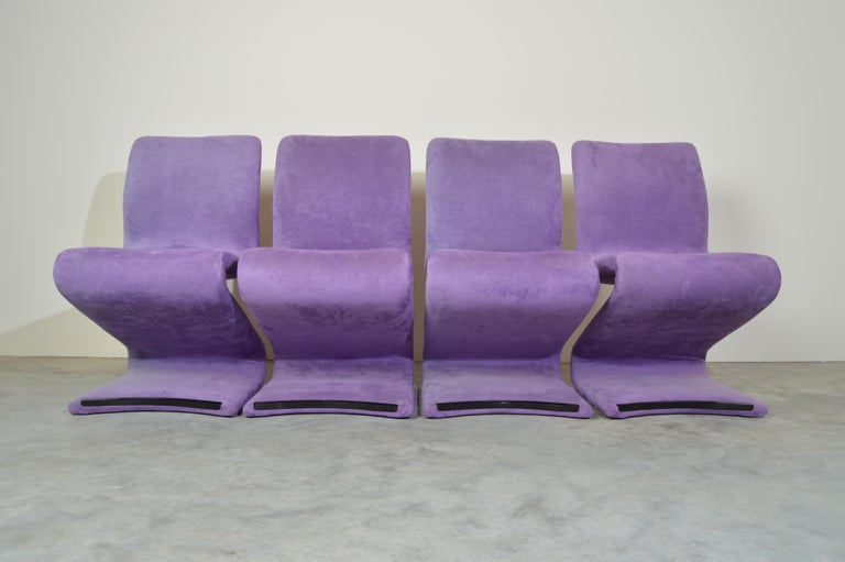 Set of 4 S Form Dining Chairs in Ultrasuede Attributed to Verner Panton In Good Condition In Southampton, NJ