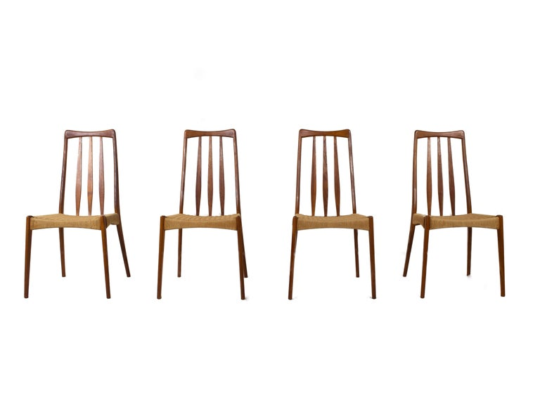 Scandinavian Modern Set of 4 Scandinavian Design Vintage Dining Chairs in Papercord and Teak For Sale