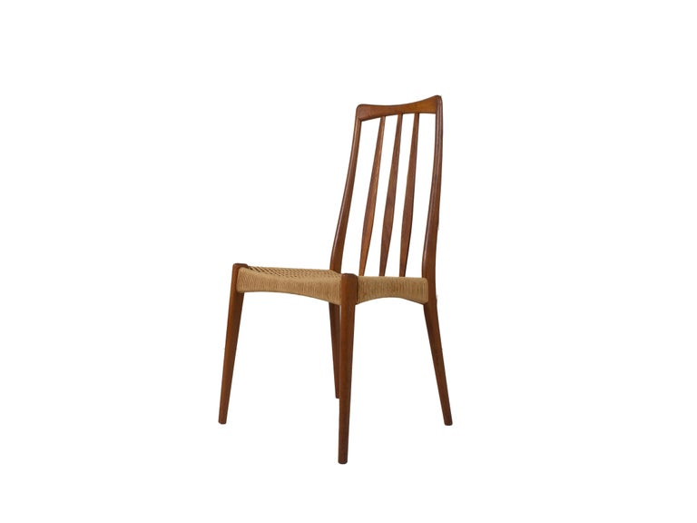 Set of 4 Scandinavian Design Vintage Dining Chairs in Papercord and Teak For Sale 1