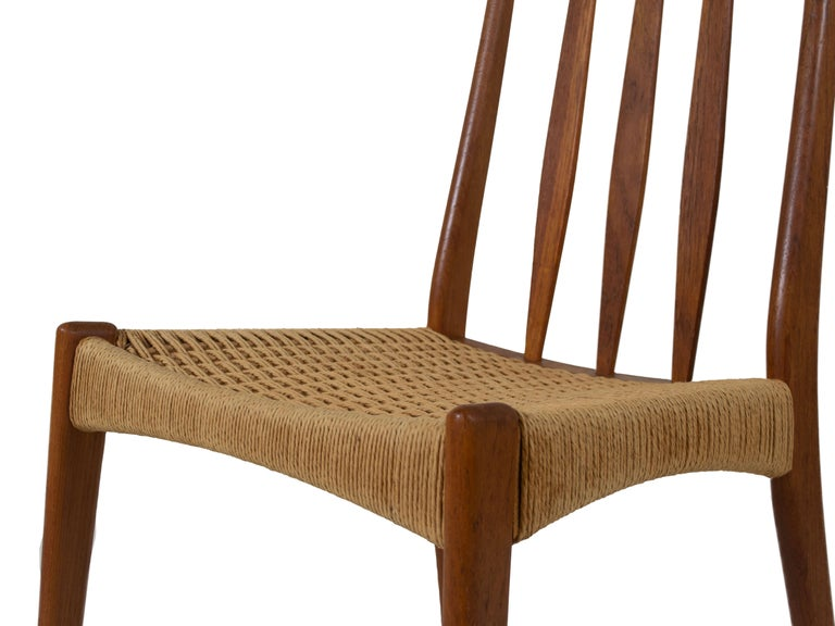 Set of 4 Scandinavian Design Vintage Dining Chairs in Papercord and Teak For Sale 2