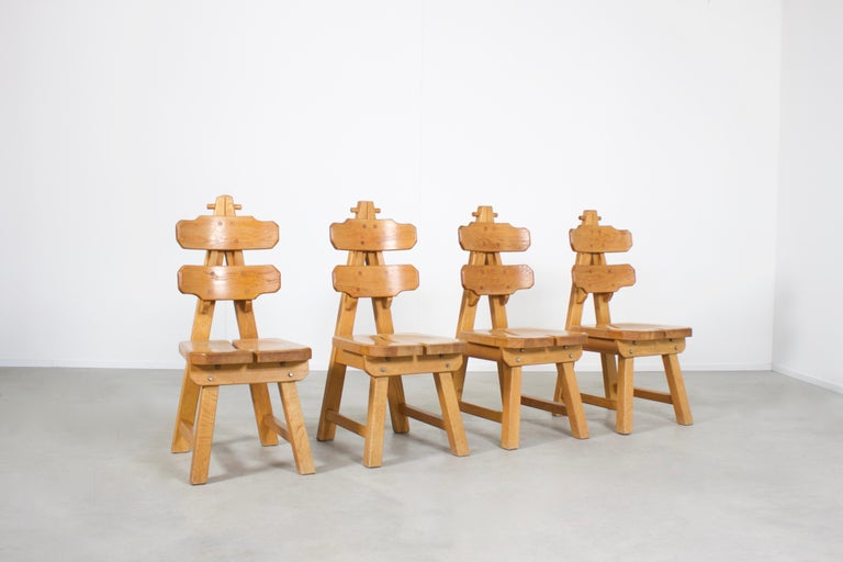 Spanish Set of 4 Solid Oak Brutalist Chairs, 1970s For Sale