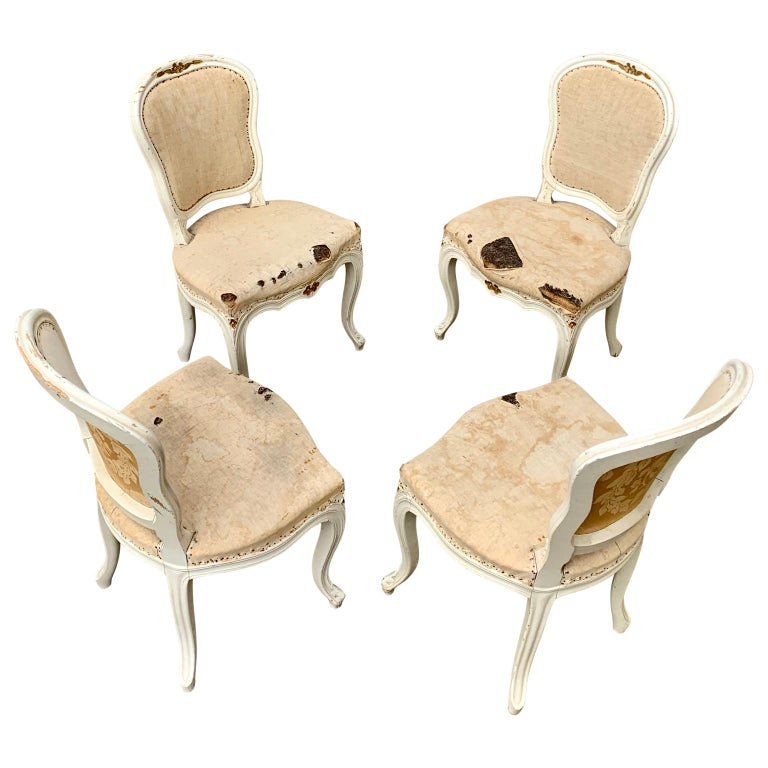 Set of 4 Swedish White Painted 19th Century Rococo Style Chairs In Good Condition For Sale In Haddonfield, NJ