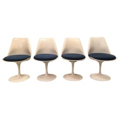 Set of 4 Tulip Dining Chairs by Eero Saarinen Produced by Knoll, circa 1960s