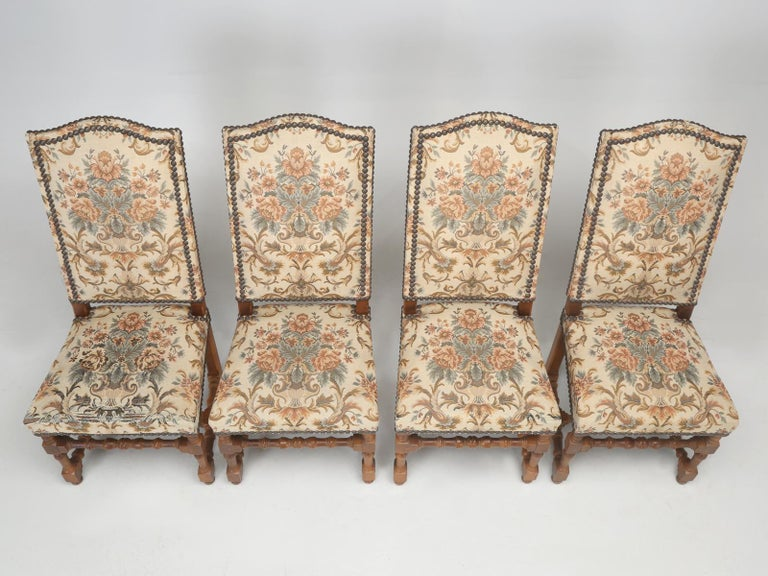Set of '4' Vintage French Dining Chairs In Good Condition For Sale In Chicago, IL