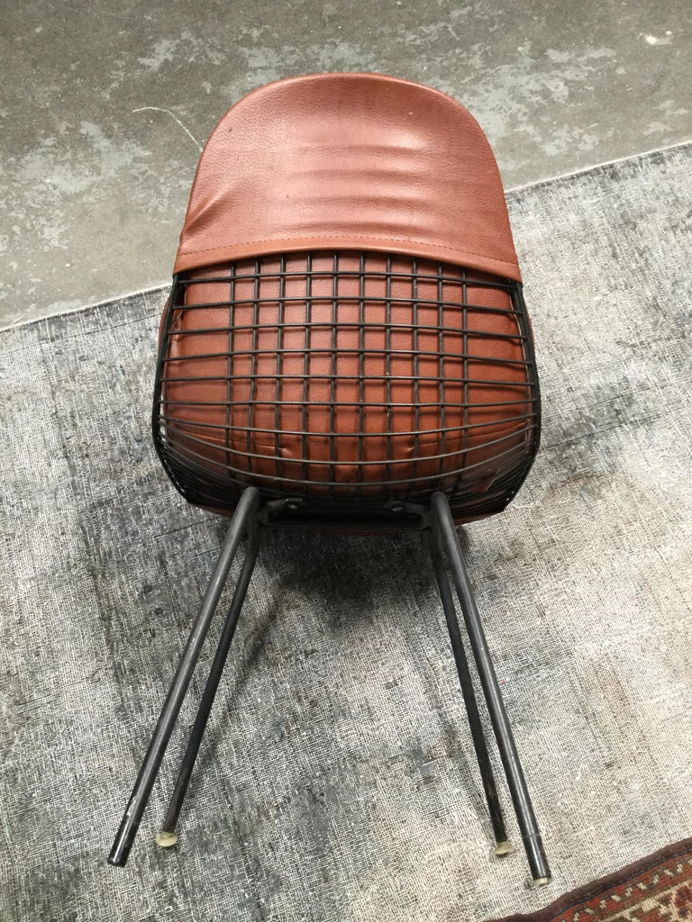 Set of 4 Midcentury Brown Vinyl Dining Side Chairs In Good Condition For Sale In Los Angeles, CA