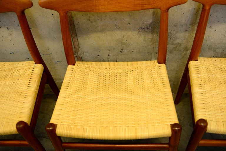 Set of 4 W2 Teak and Cane Chairs by Hans J. Wegner, 1950s, C.M. Madsens DK In Good Condition For Sale In Limhamn, SE