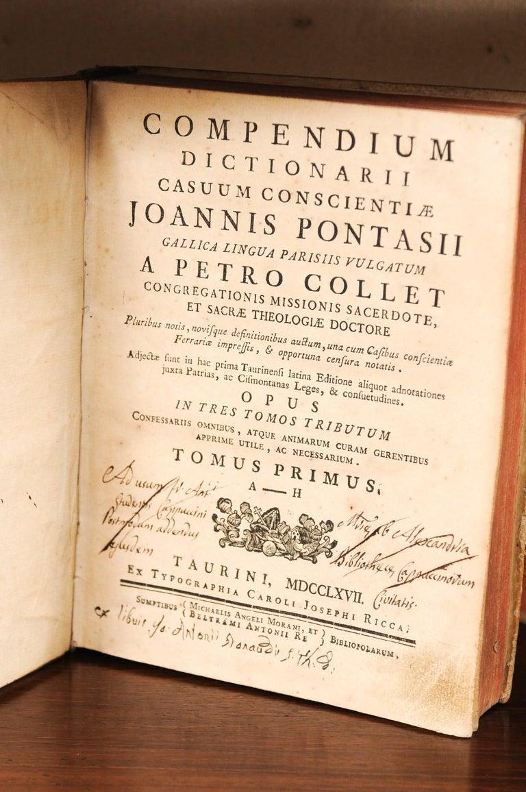 Set of 5 18th Century Italian Vellum Bound Books in Cream Color For Sale 1