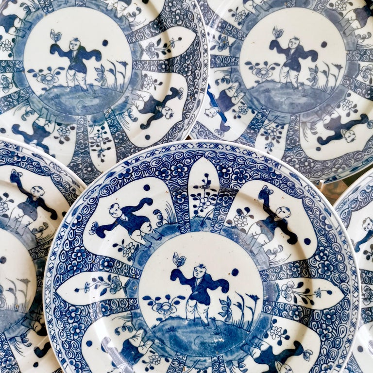 Set of 5 Chinese Export Plates, Blue on White Boy with Butterfly, 19th Century For Sale 6