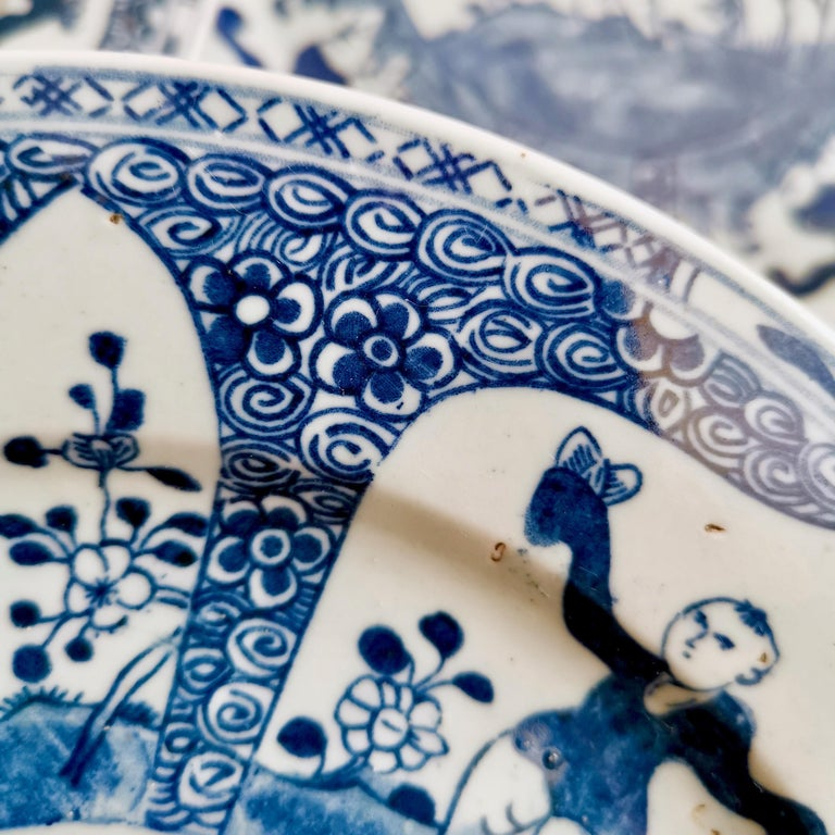 Set of 5 Chinese Export Plates, Blue on White Boy with Butterfly, 19th Century For Sale 9