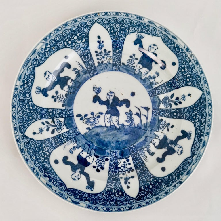 Porcelain Set of 5 Chinese Export Plates, Blue on White Boy with Butterfly, 19th Century For Sale