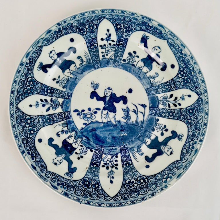Set of 5 Chinese Export Plates, Blue on White Boy with Butterfly, 19th Century For Sale 1