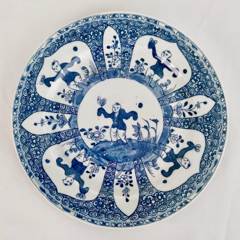 Set of 5 Chinese Export Plates, Blue on White Boy with Butterfly, 19th Century For Sale 2