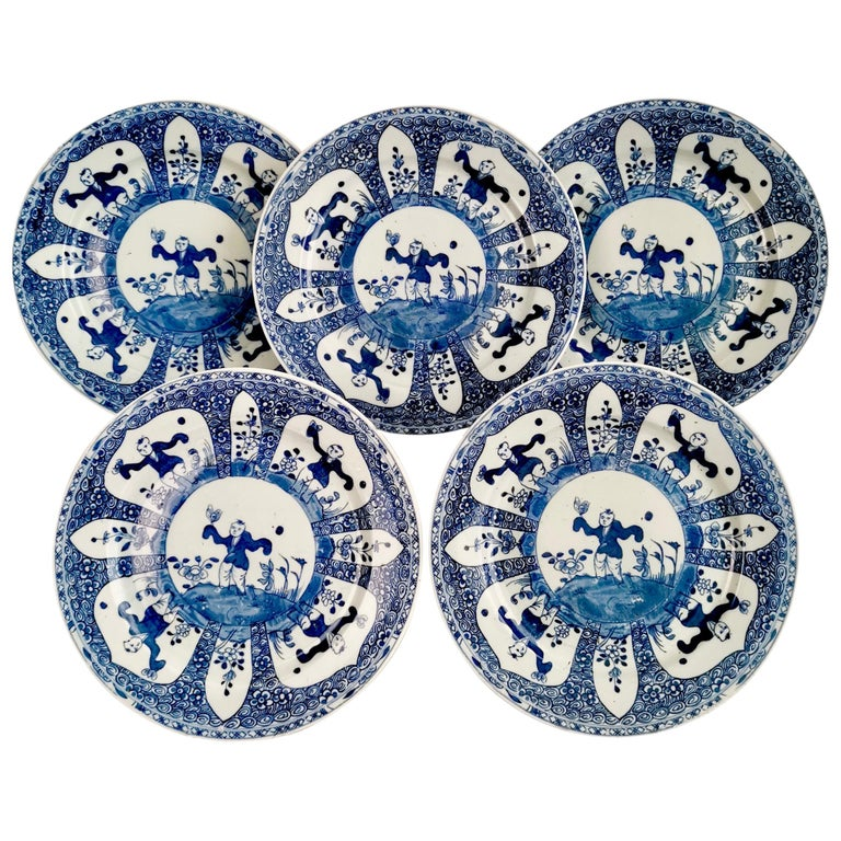 Set of 5 Chinese Export Plates, Blue on White Boy with Butterfly, 19th Century For Sale