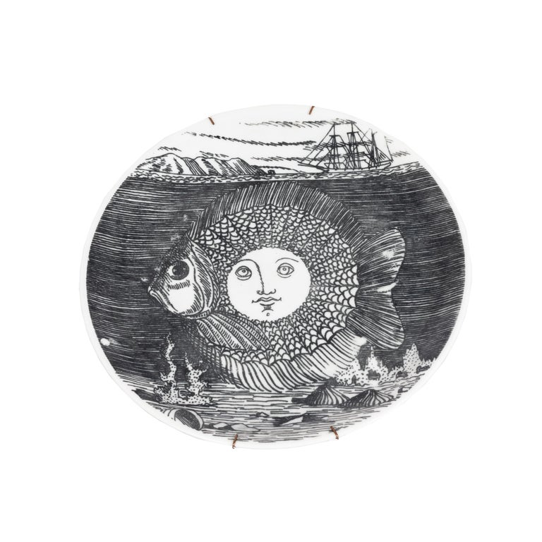 Set of 5 Fornesetti Decorative Plates For Sale 2