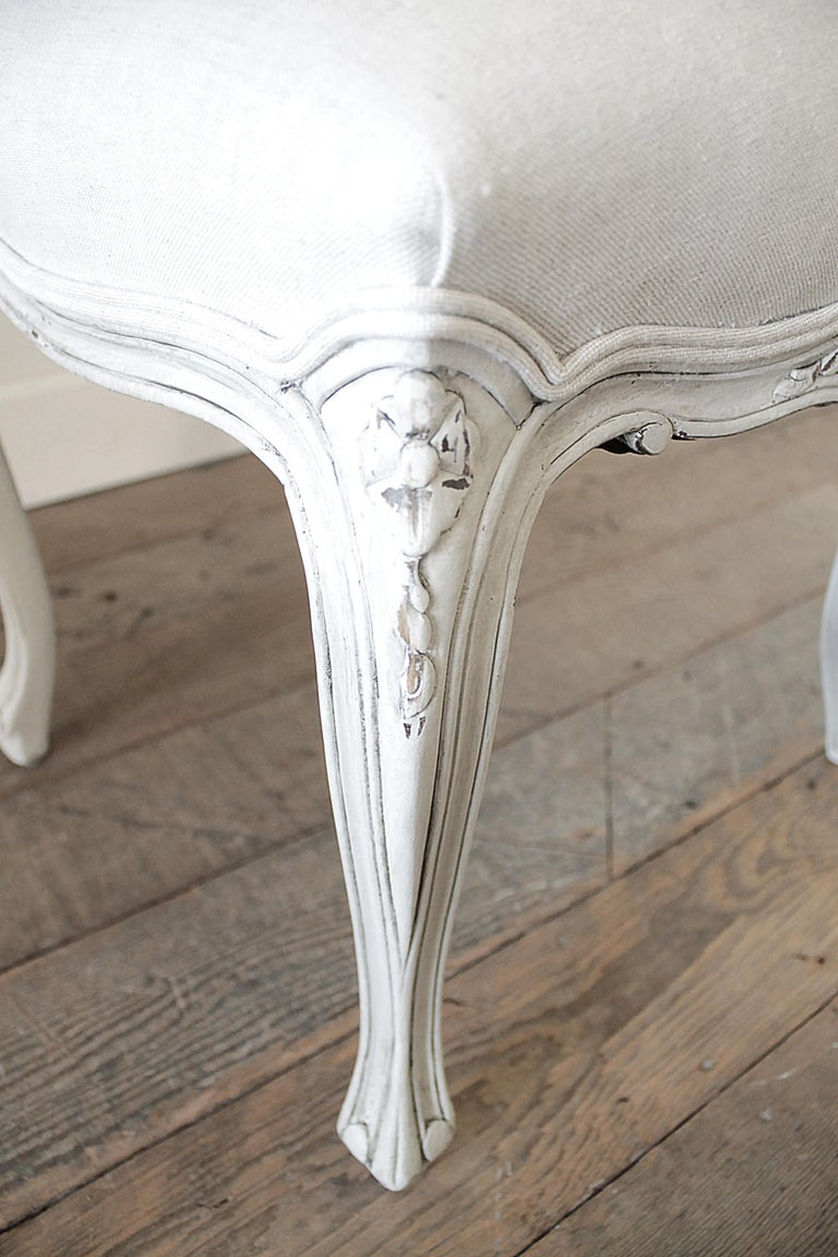 Set of 5 Painted and Upholstered Dining Room Chairs in Belgian Linen For Sale 7