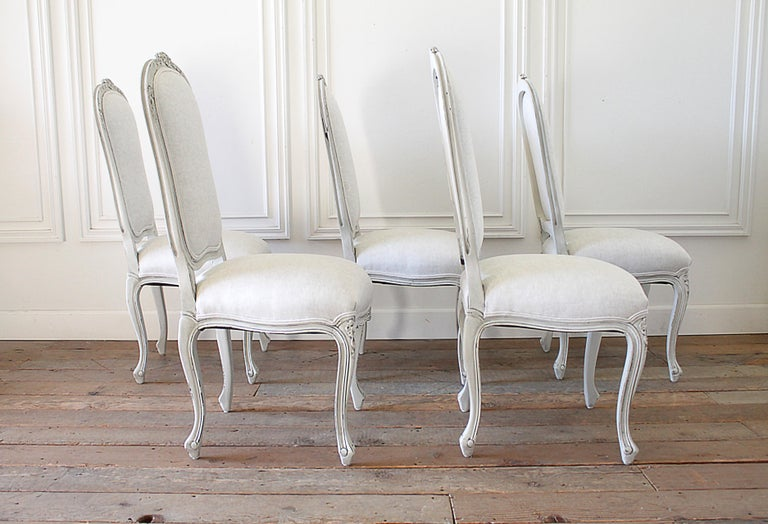 Set of 5 Painted and Upholstered Dining Room Chairs in Belgian Linen In Good Condition For Sale In Brea, CA