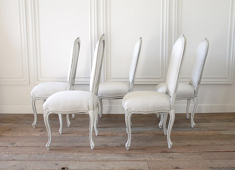 Set of 5 Painted and Upholstered Dining Room Chairs in Belgian Linen For Sale 1