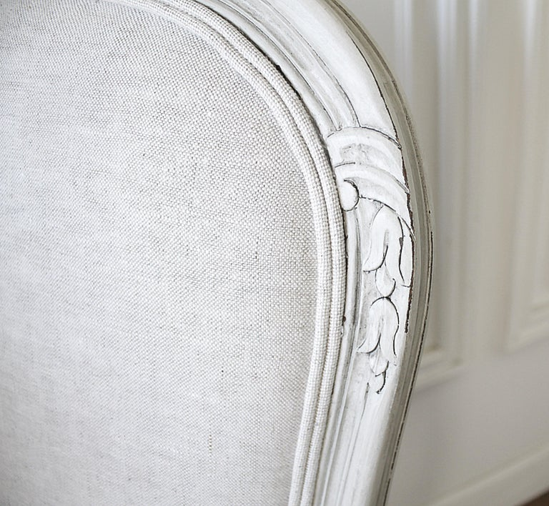 Set of 5 Painted and Upholstered Dining Room Chairs in Belgian Linen For Sale 4