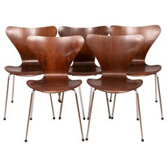Set of 5 Series 7 Model 3107 Rosewood Chairs by Arne Jacobsen, circa 1960