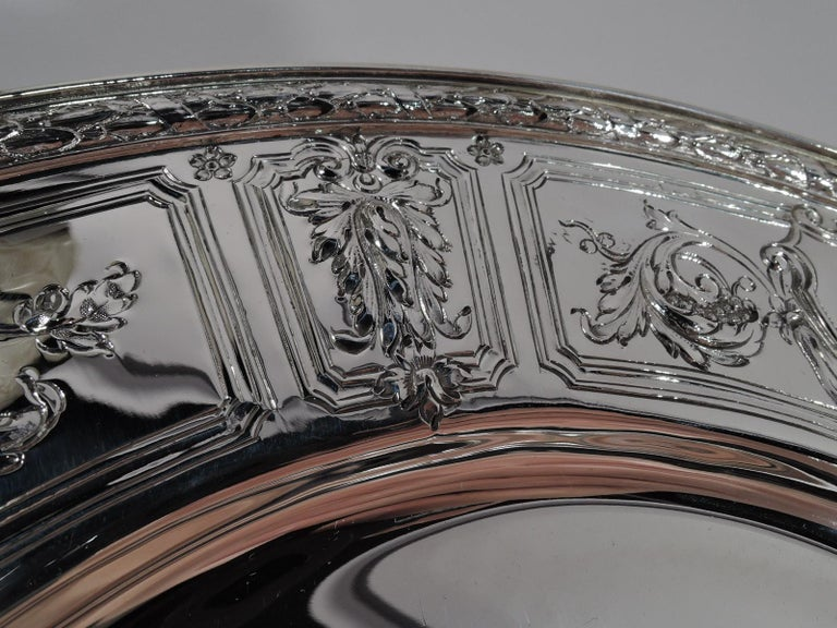 Early 20th Century Set of 6 Antique Gorham Maintenon Sterling Silver Dinner Plates For Sale