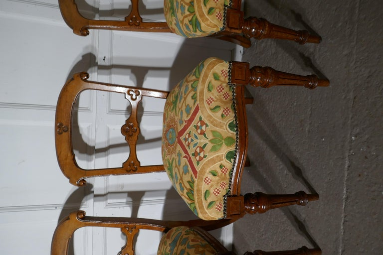 19th Century Set of 6 Arts & Crafts Gothic Golden Oak Dining Chairs For Sale