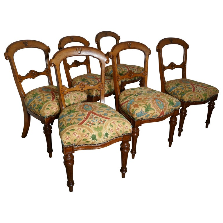 Set of 6 Arts & Crafts Gothic Golden Oak Dining Chairs For Sale