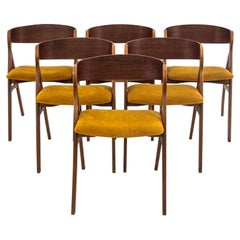 Set of 6 Chairs, Designed by Henning Kjaernulf, Danish Design, 1960s