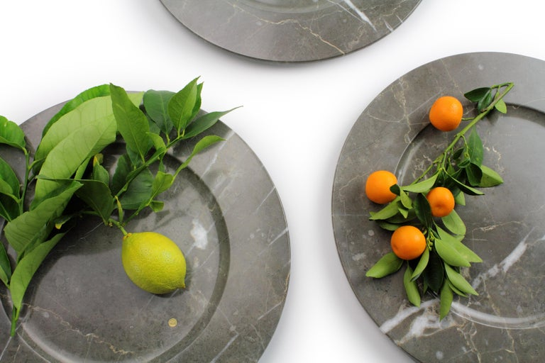 Set of 6 Charger Plates in Imperial Grey Marble Design Pieruga Marble, Italy For Sale 13