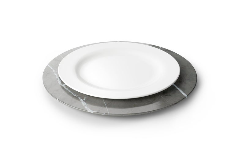 Italian Set of 6 Charger Plates in Imperial Grey Marble Design Pieruga Marble, Italy For Sale